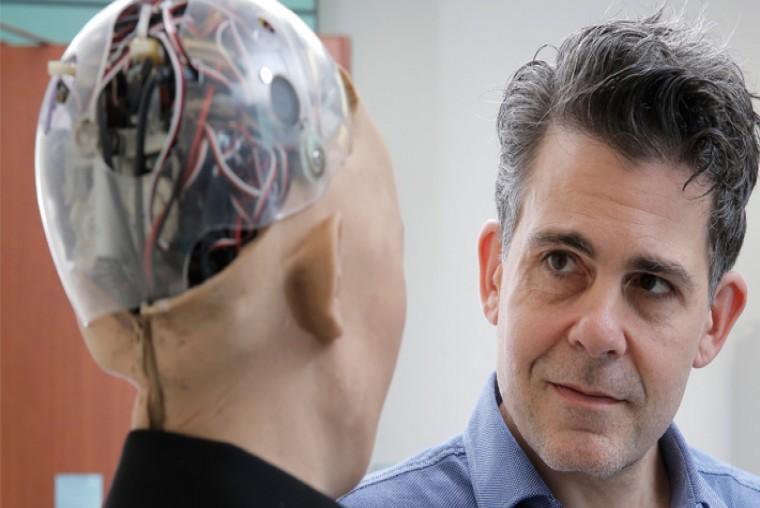 El robot con inteligencia artificial que planea ganarse la confianza de las personas y resolver los problemas de la humanidad. - WDesign - Diseño Web Profesional