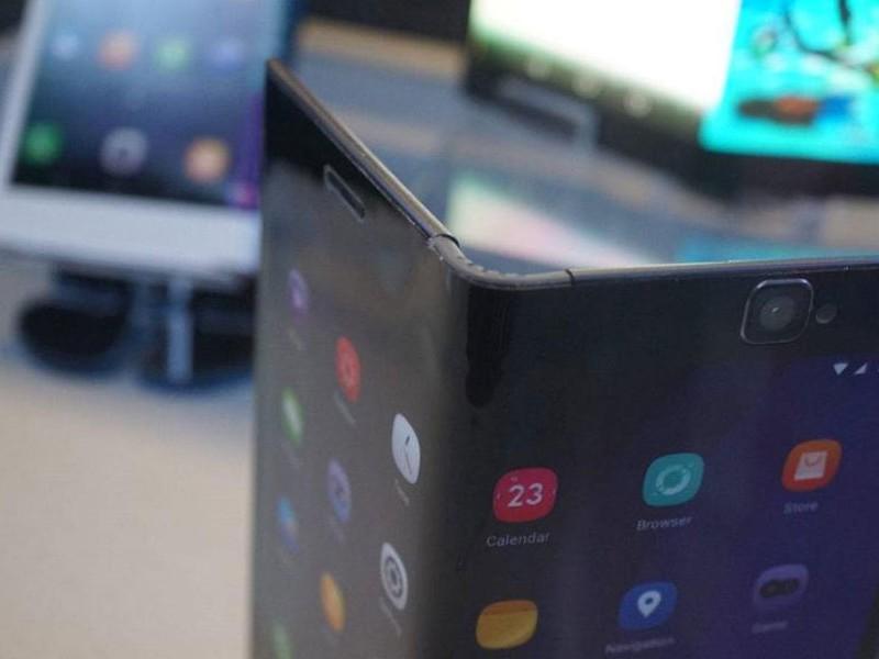 Huawei y Samsung lanzarían smartphones plegables en 2019 - WDesign - Diseño Web Profesional